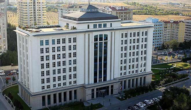AKP'den istifalara karşı B planı: Partide kal makamı kap