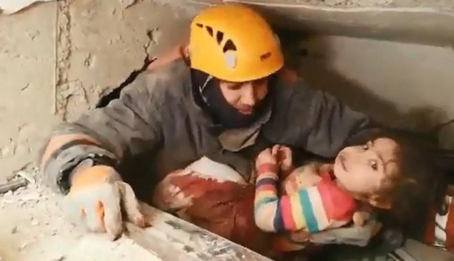 Yüsra bebeğin kurtuluşunda yürek yakan gerçek: Babası kalkan olmuş...
