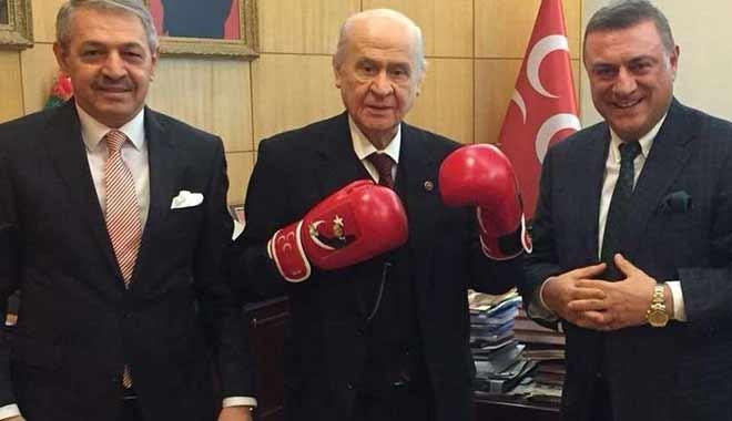 70 yaşındaki Bahçeli boks eldiveni giyip gözdağı verdi
