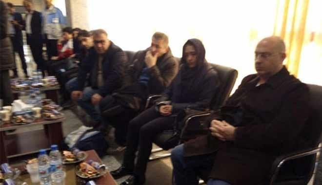 Acılı aileler İran'da: Çaresiz bekleyişleri yürek yaktı