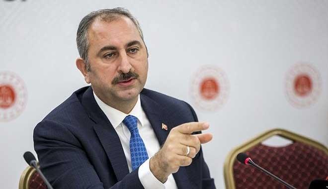 Adalet Bakanı Gül kime böyle kızdı: Daha düne kadar FETÖ'cülerle aynı maklubeye kaşık sallayanlar bize ders vermeye kalkışmasın