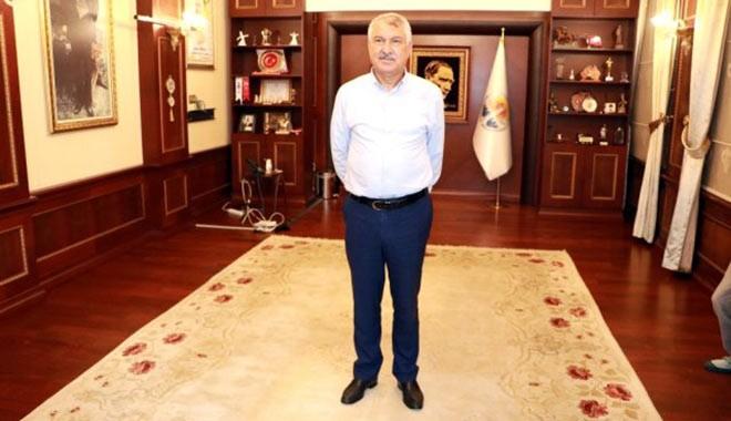 Adana Büyükşehir Belediyesi Başkanı Karalar'ın makam odasına haciz geldi