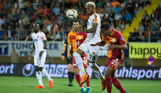 Alanya'da nefes kesen 5 gollü maç! Galatasaray lider döndü