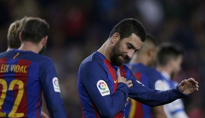 Arda Turan'ın 5 yıllık Barcelona macerası resmen sona erdi