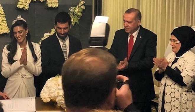 Arda Turan ve Aslıhan Doğan evlendi... Nikah törenine Erdoğan da katıldı