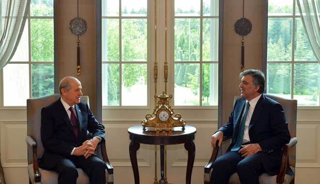 Bahçeli'den çarpıcı Abdullah Gül açıklaması: Hançer vurmanın kıyısındadır