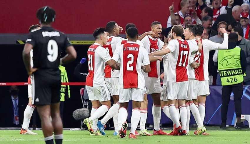 Beşiktaş, Ajax'a deplasmanda 2-0 yenildi