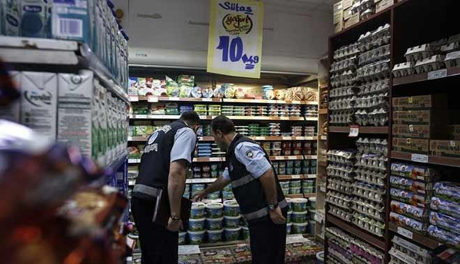 Bloomberg: Türk zabıtası markette diş macunu kontrolü yaparak enflasyonla mücadele ediyor