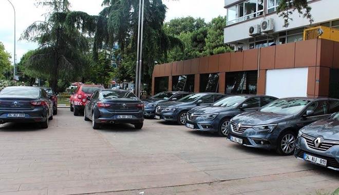 Bu nasıl tasarruf! AKP'li belediye pes dedirtti: 9 müdür 9 makam aracı