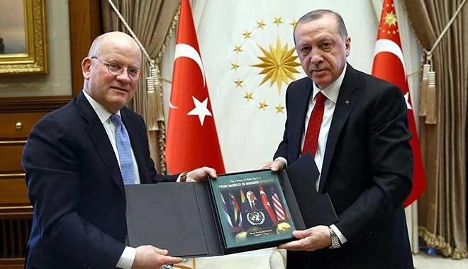 Cumhurbaşkanı Erdoğan, General Electric CEO'suna ne hediye etti?