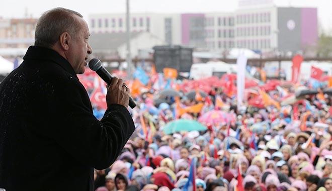 Erdoğan konuşmasını bölen kadına çıkıştı: Provoke etme bizi