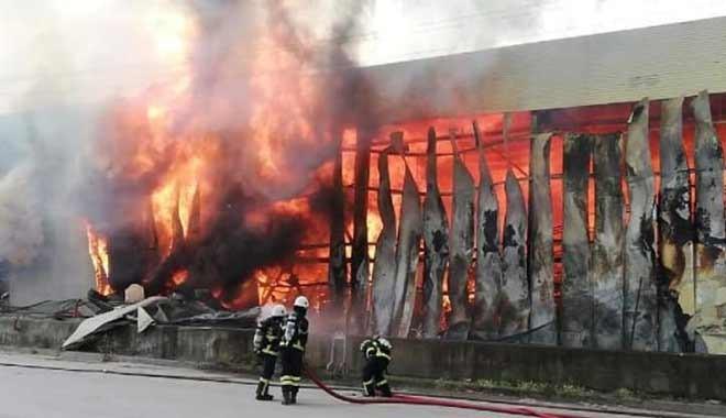 Deposu yanan küresel arşivleme şirketi 'depo yangınlarıyla' ünlü, 17 yılda şirketin altı deposu yanmış