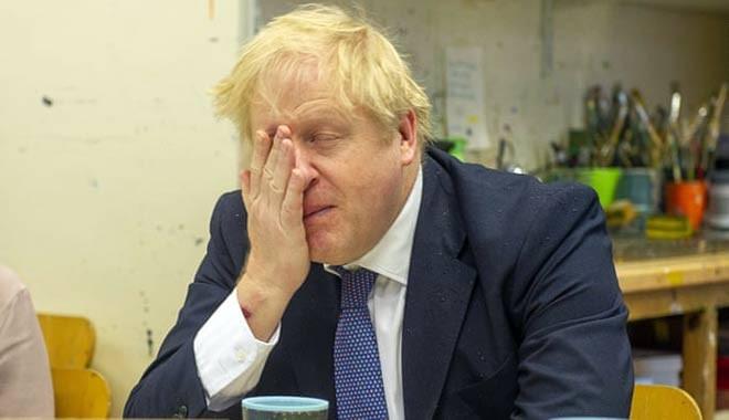 Dünya şokta... Koronavirüs tedavisi gören İngiltere Başbakanı Boris Johnson yoğun bakıma alındı