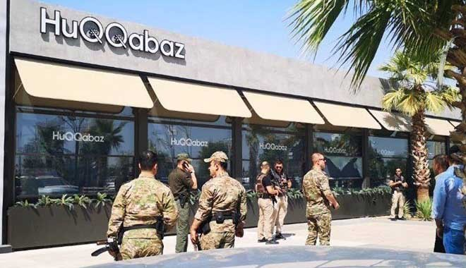 Türk diplomatın şehit edildiği restorandan tepki çeken mesaj