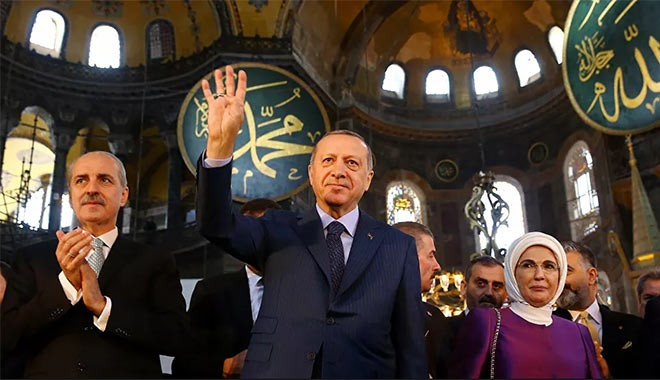 Erdoğan, Ayasofya'yı ibadete açan kararı imzaladı: Hayırlı olsun