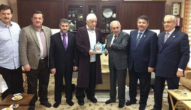 FETÖ ile fotoğraf çektiren AKP'lilere İBB'den kıyak....