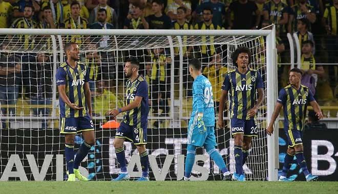 Fenerbahçe 15 hafta sonra evinde yenildi