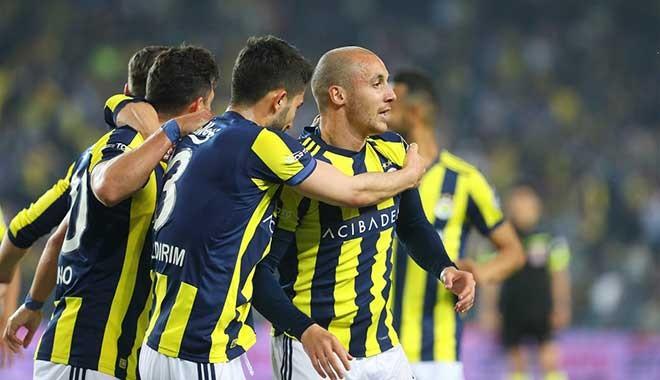 Fenerbahçe dörtledi! Amansız takibe devam
