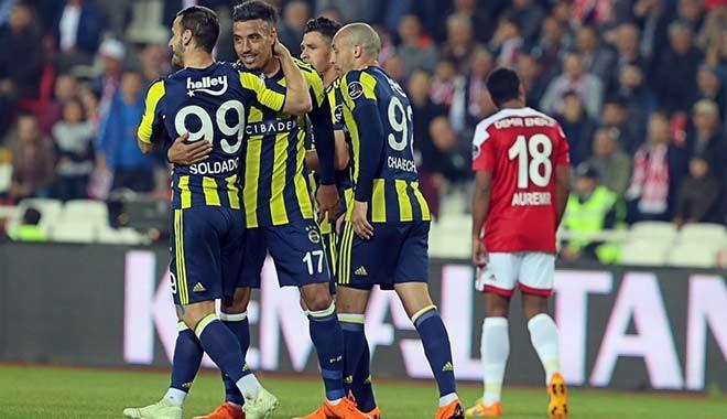 Fenerbahçe, Sivasspor deplasmanından 3 puanı kaptı