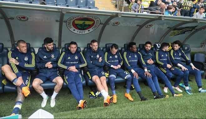 Fenerbahçe'de futbolcu çok, alıcı yok!
