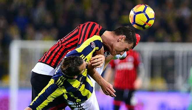 Fenerbahçe şampiyonluk yarışında ağır darbe aldı