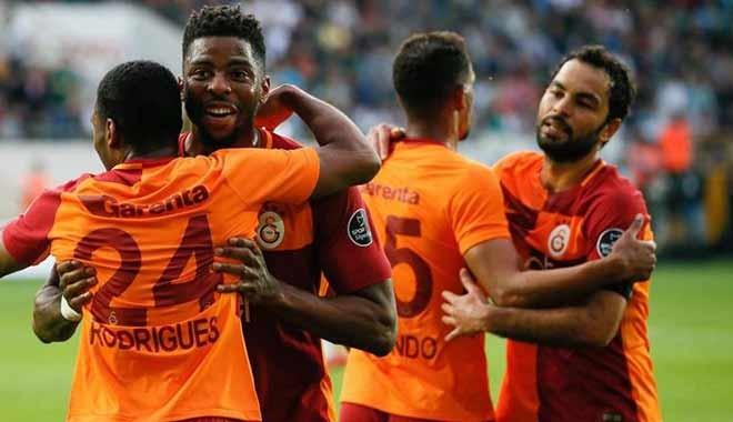 Galatasaray, Akhisarspor'u da yenerek zirvedeki yerini korudu