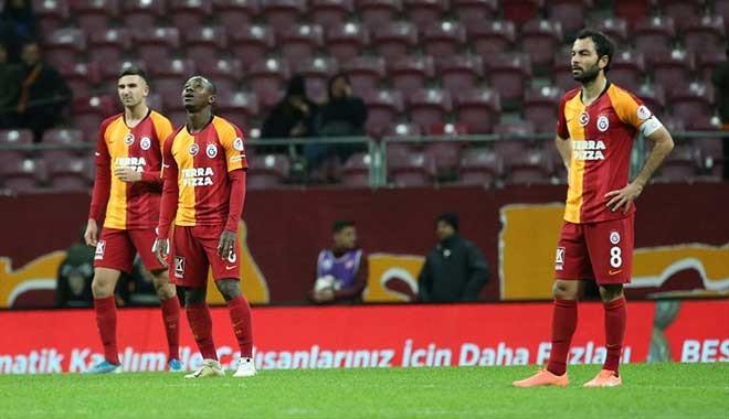 Galatasaray evinde Tuzlaspor'a 2-0 yenildi