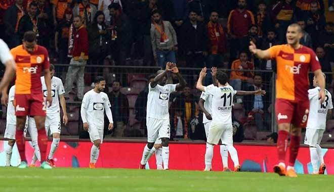 Galatasaray evinde yıkıldı, kupadan elendi