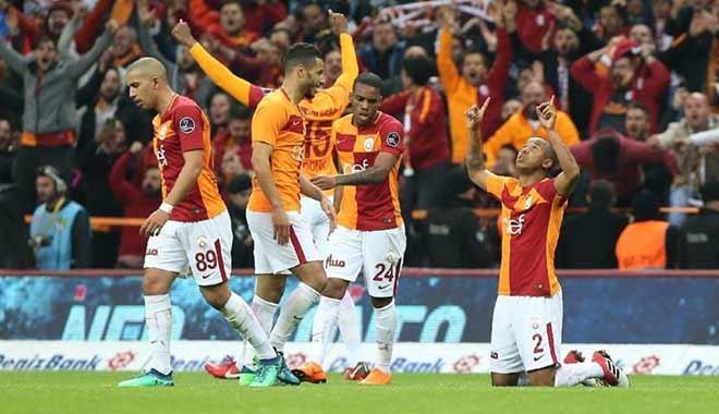 Galatasaray koltuğu geri aldı...