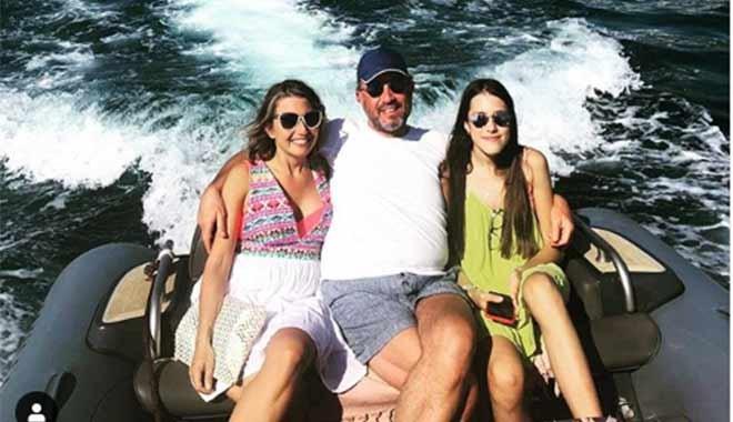 Hamdi Akın kızlarıyla tatilde