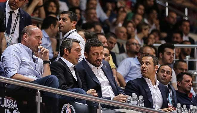 Hidayet Türkoğlu'na İzmir Marşı tepkisi! Bu kadar mı korkuyor sunuz...