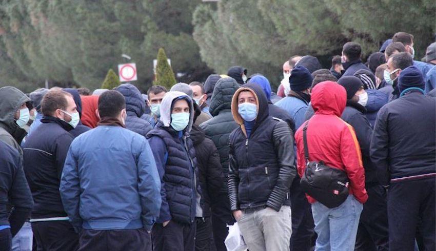 Hyundai Assan karıştı! İşçiler, yönetimi istifaya çağırdı!