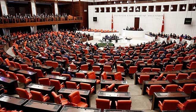 Çoklu baro düzenlemesini içeren kanun teklifi Meclis'te kabul edilerek, yasalaştı