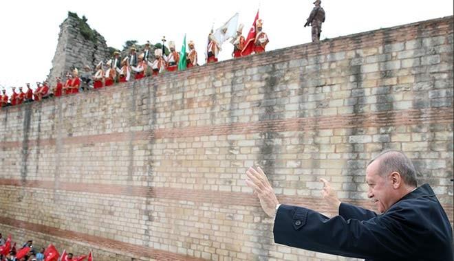 İhaleler AKP'liye.. Fatih Belediyesi'nin mehteran takımı için ödediği para dudak uçuklattı