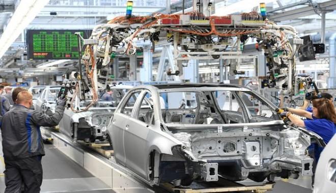 Volkswagen yeni fabrikası için Türkiye veya Bulgaristan'ı seçecek