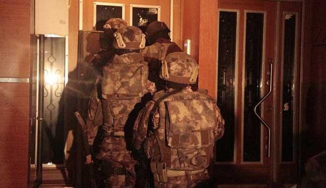 İstanbul'da büyük operasyon! Çete lideri polis çıktı