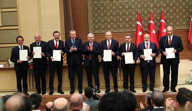 Erdoğan dan yerli otomobil çıkışı: Yapmazlarsa hesaplaşacağız