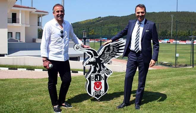 Kara Kartal, Abdullah Avcı ile 3 yıllık sözleşme imzaladı