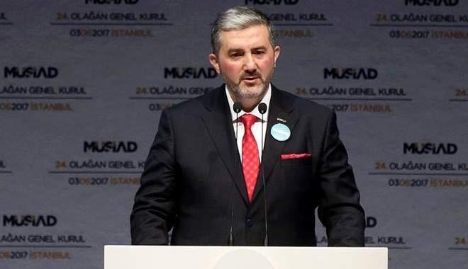 MÜSİAD Başkanı protokolde yer istedi