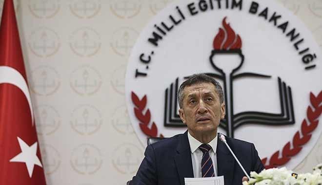 Milli Eğitim Bakanı Ziya Selçuk: Köy enstitüleri devam etmeliydi