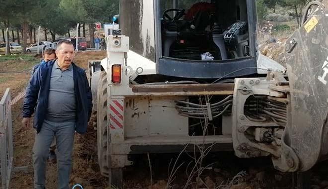 Pamukkale Üniversitesi Rektörü Hüseyin Bağ, yerli tohum üretim tarlasına dozerle daldı, iki profesörü tartakladı!