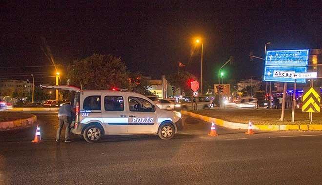 Polis trafiğe çare bulamayınca ilçe girişini kapattı