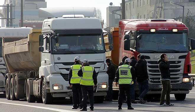 Polise 'beton mikseri' operasyonu: 60'ı polis 102 kişi gözaltında