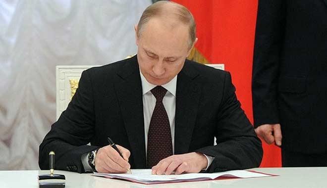 Putin, Türk iş adamları ve tır şoförlerine vizeyi kaldırdı