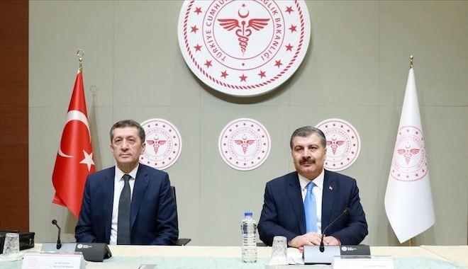 Sağlık Bakanı Koca ve Milli Eğitim Bakanı Selçuk: Eğitime verilen ara 30 Nisan'a kadar uzatıldı