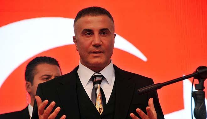 Sedat Peker: Halk kendini dindar olarak tanımlayan kişilerin müsrifliği ve lükse düşkünlüğünü konuşuyor