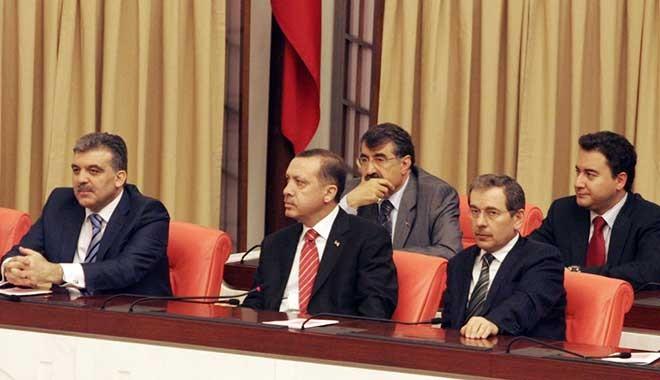 BBC: Gül ve Babacan, cumhurbaşkanlığı hükümet sistemini 'beka sorunu' görüyor