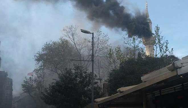 Tarihi Teşvikiye Camii'nde büyük yangın!
