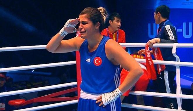 Tebrikler Busenaz! Çinliyi yendi Dünya Şampiyonu oldu