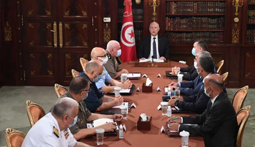 Tunus'ta bir ay süreyle gece sokağa çıkma yasağı ilan edildi